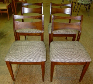 cat-eye chair set.