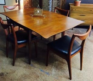 Vintage Dining Table Set